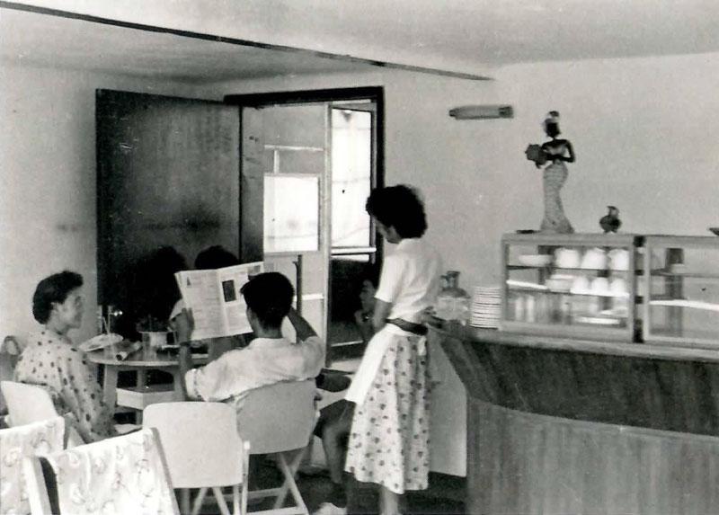 喫茶室のひとこま(1957年)